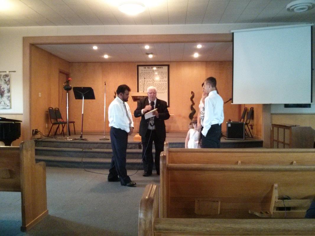 image of church leadership praying